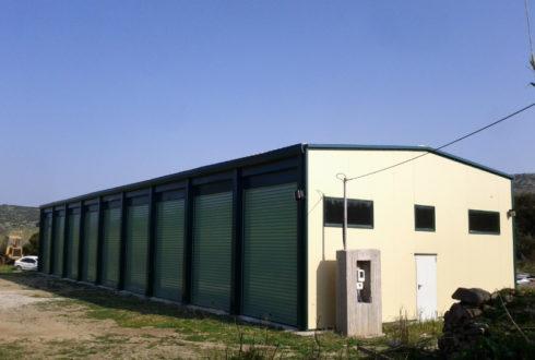 Κατασκευή κλειστού χώρου φύλαξης απορριμματοφόρων, οχημάτων.