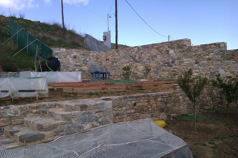 Διαμόρφωση εξωτερικού χώρου σε κατοικία στα Χρούσσα gallery