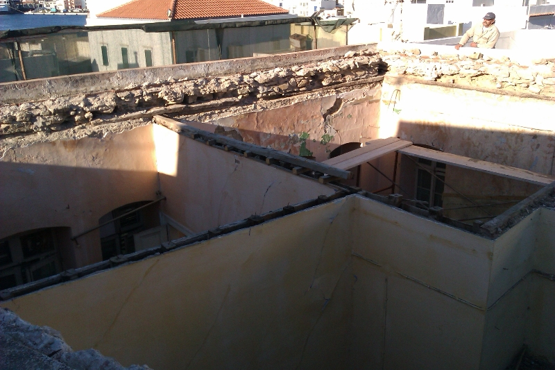 Αντικατάσταση στέγης σε κατοικία στην Ερμούπολη gallery